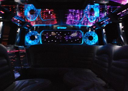 Hummer-Limousine-I01