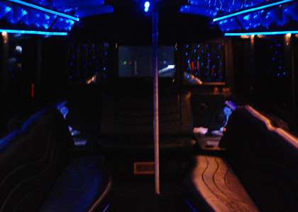 White-Party-Charter-Bus-I02